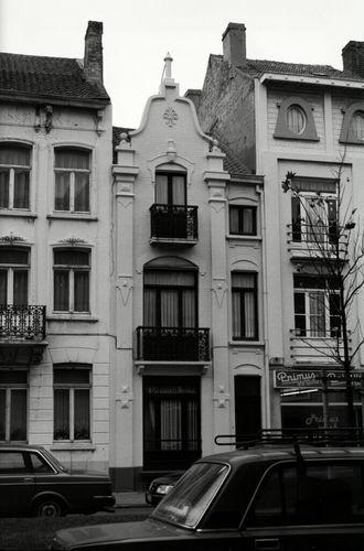 Oostende, Koninginnelaan 41