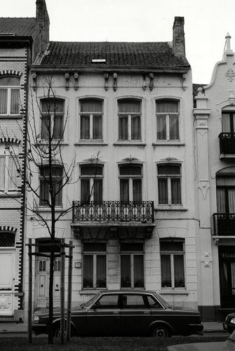 Oostende, Koninginnelaan 43
