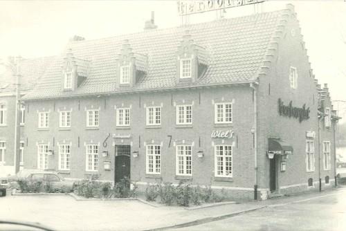 Huizingen Oud Dorp 16