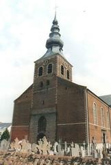 Parochiekerk Sint-Trudo met kerkhof