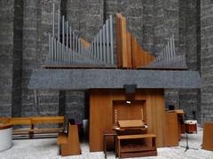 Harelbeke Julius Sabbestraat zonder nummer Orgel in de Sint-Ritakerk (https://id.erfgoed.net/afbeeldingen/275452)