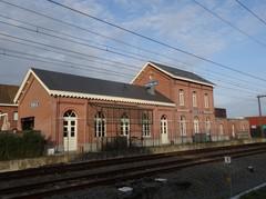Deerlijk Stationsplein zonder nummer Zuidwestzijde van het station (https://id.erfgoed.net/afbeeldingen/275505)