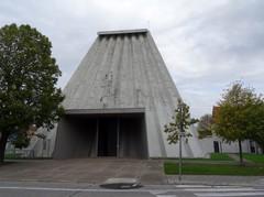 Harelbeke Julius Sabbestraat zonder nummer Westzijde van de Sint-Ritakerk (https://id.erfgoed.net/afbeeldingen/275557)