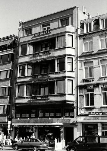 Oostende, Sint-Petrusplein en Sint-Paulusplein 10