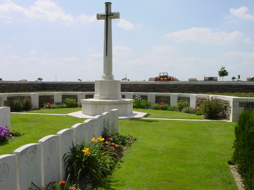 Loker: Locre Hospice Cy: Cross of Sacrifice