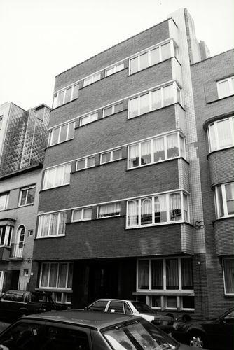 Oostende, Warschaustraat 12