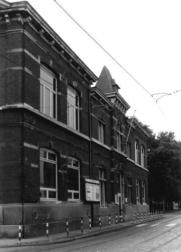 Antwerpen Stuivenbergplein 36-37 kant Wilgenstraat