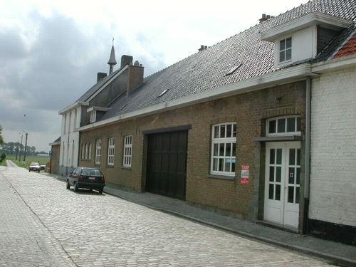 Zuienkerke Kerkhofstraat 23-25 Schoolcomplex met hoofdgebouw