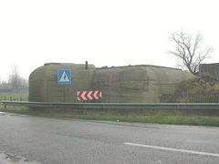 """Bunker bij hoeve met herberg """"Strooienhaan"""""""