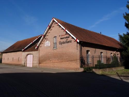 Heist-op-den-Berg Hofdreef 1 Zuidoostzijde van kasteelhoeve Ter Laken