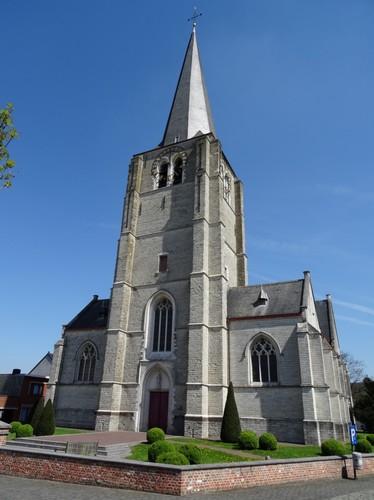 Heist-op-den-Berg Kerkplein 36 Westzijde van de Sint-Lambertuskerk