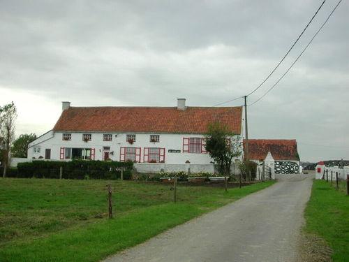 Zuienkerke, Nieuwmunster, Brugse Steenweg 11