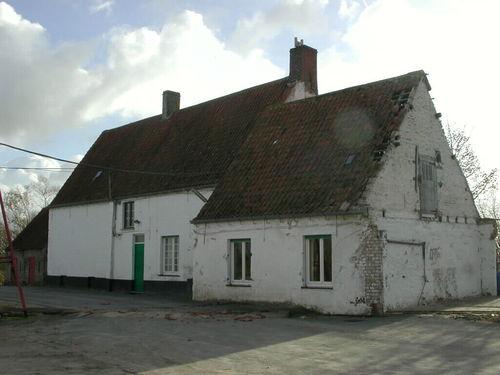 Zuienkerke, Schoeringstraat 2-4