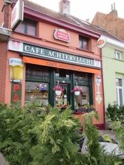 Gekoppelde arbeiderswoningen met café