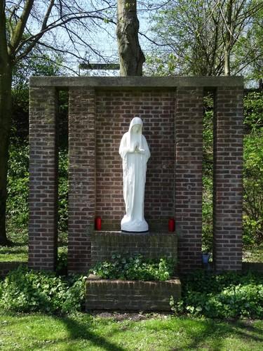 Brugge Sint-Pietersstatiedreef Onze-Lieve-Vrouw van Banneux