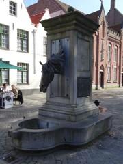 Brugge Wijngaardstraat Waterpomp (https://id.erfgoed.net/afbeeldingen/283002)