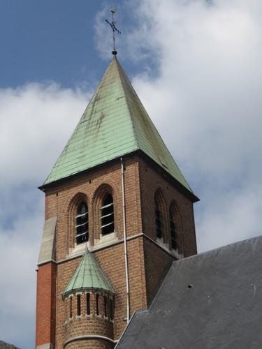 Sint-Pieters-Leeuw Baasbergstraat zonder nummer Parochiekerk Sint-Pieters-Banden