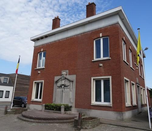 Wielsbeke St.-Brixiusplein Voormalig gemeentehuis