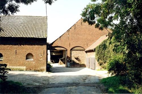 Halle Scheyssingen 17