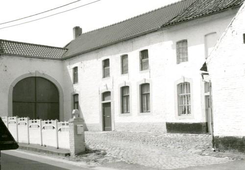 Landen Dorpsstraat 6-8