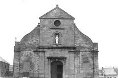 Parochiekerk Sint-Niklaas met kerkhof