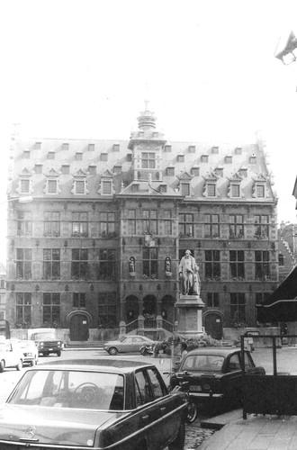 Halle Grote Markt 1