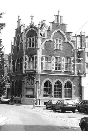 Halle Kardinaal Cardijnstraat 9