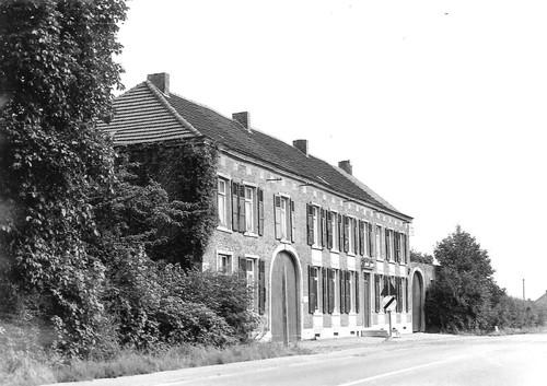 Halle Edingensesteenweg 746-748