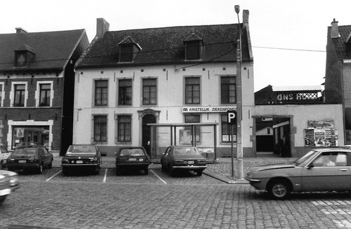 Lennik Markt 9