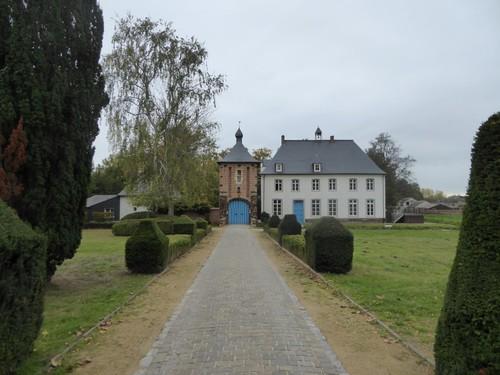 Pastorie van de Sint-Martinusparochie met tuin