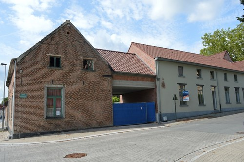 Dilbeek Rollestraat 83-85 zuidelijke blok langs de Rollestraat