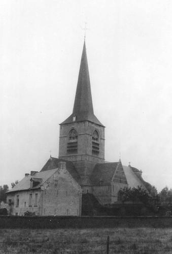 Parochiekerk Sint-Remigius met pastorie Sint-Remigiusparochie