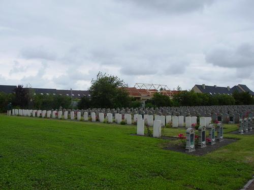 Adinkerke: Churchyard Extension 2