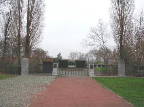 Keiemdorpstraat z.nr. militaire begraafplaats