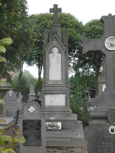 Diksmuide Sint-Pietersplein 10 kerkhof