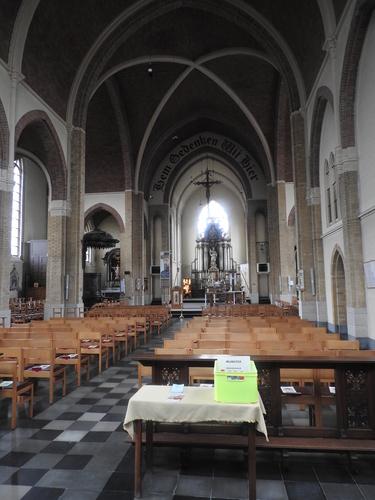 Beersel Herman Teirlinckplein znr Sint-Lambertuskerk (38)