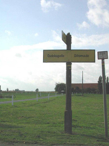 Diksmuide Sint-Jacobs-Kapelle Sint-Jacobsplein zonder nummer wegwijzer