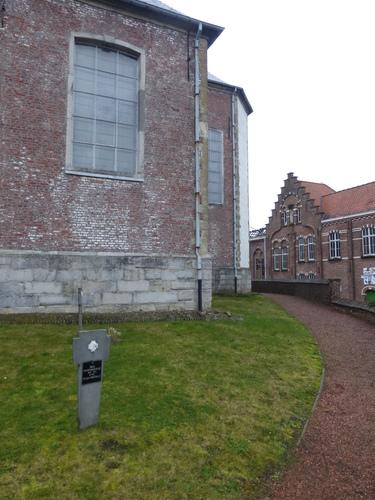 Zegelsem Sint-Ursmaruskerkhof (2)