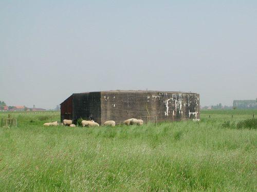 Diksmuide Vladslo Houtlandstraat zonder nummer rechts van nummer 12 bunker