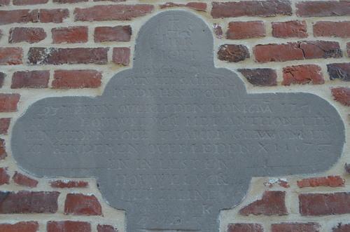 Geraardsbergen Ophasselt KH grafkruis De Henau1 (3)