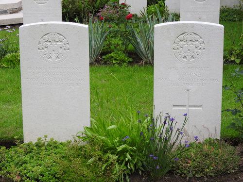 Heuvelland Irish House  Cemetery 20160622 (10)