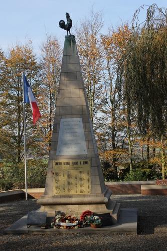 Kemmel Kemmelberg znr Frans militair kerkhof 2014111112