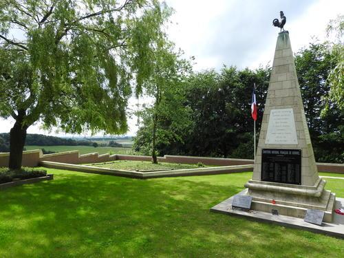 Heuvelland Kemmelberg Franse begraafplaats 20160622 (2)