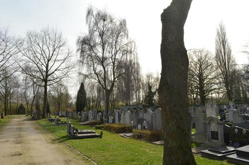 Izegem Emelgemseplein 2 Sint-Pieterskerk
