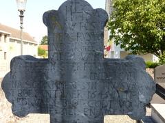 Maasmechelen BoorsemKH grafkruis Willem van Waelsden (2) (https://id.erfgoed.net/afbeeldingen/310265)