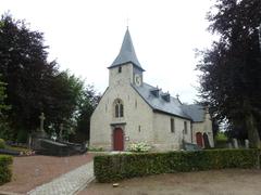 Parochiekerk Sint-Gudula met omringend kerkhof