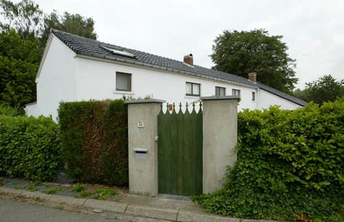 Lennik Gustaaf Van der Steenstraat 94