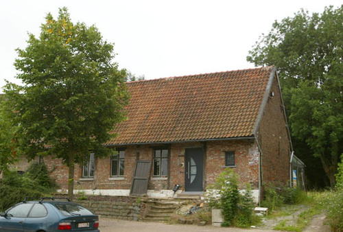 Halle Boterham 16