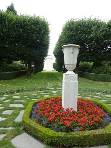 Waregem Flanders Field American Cemetery (10)