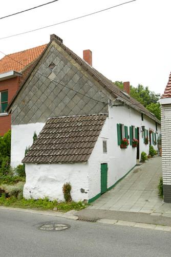 Halle Isidore Devilléstraat 13